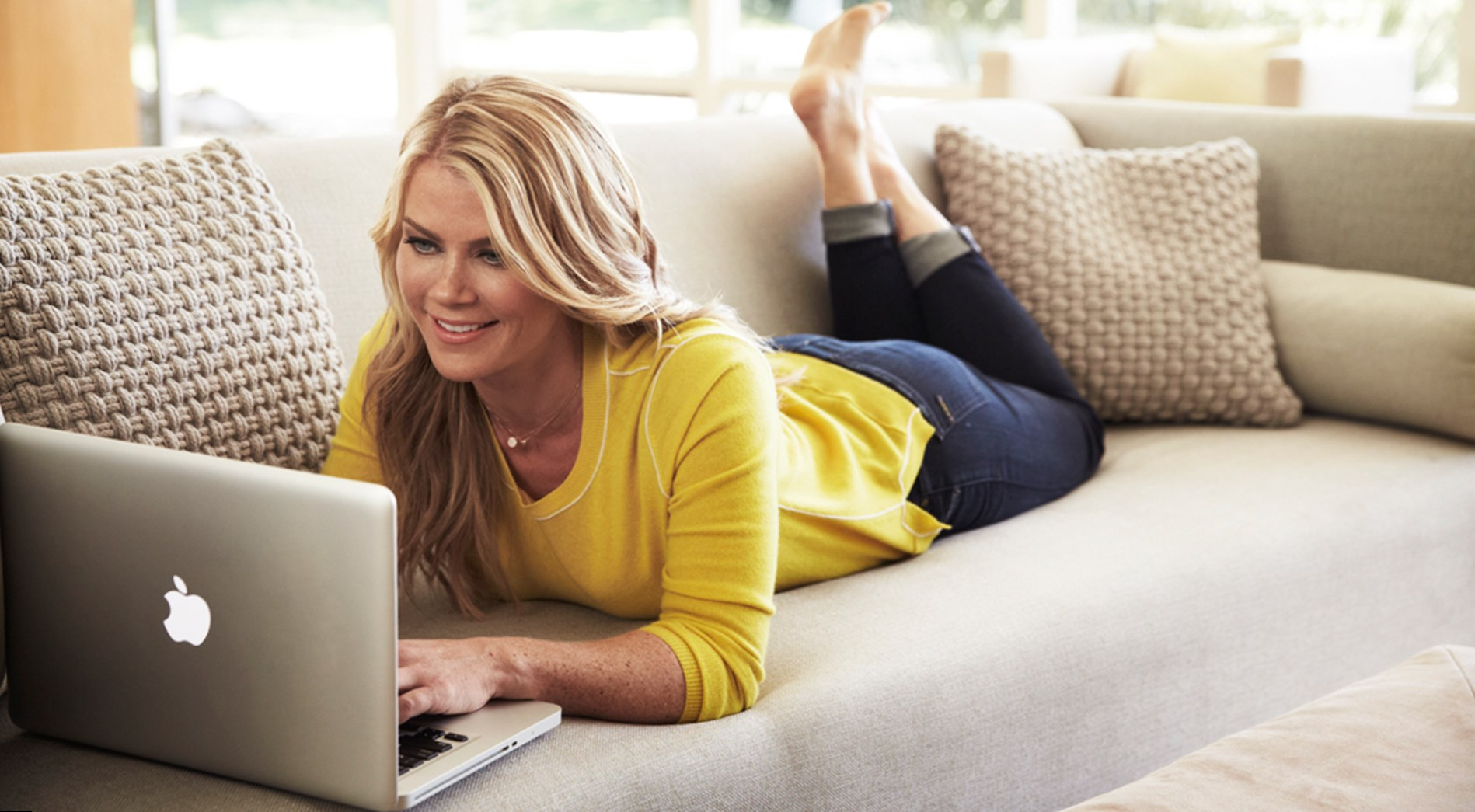 Alison Sweeney Family Pictures who is alison sweeney? wiki: husband,net worth,family,house