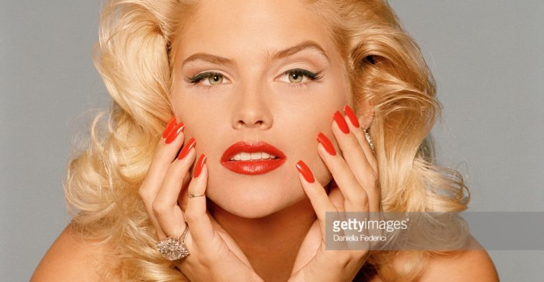 Who's Anna Nicole Smith? Bio: Daughter