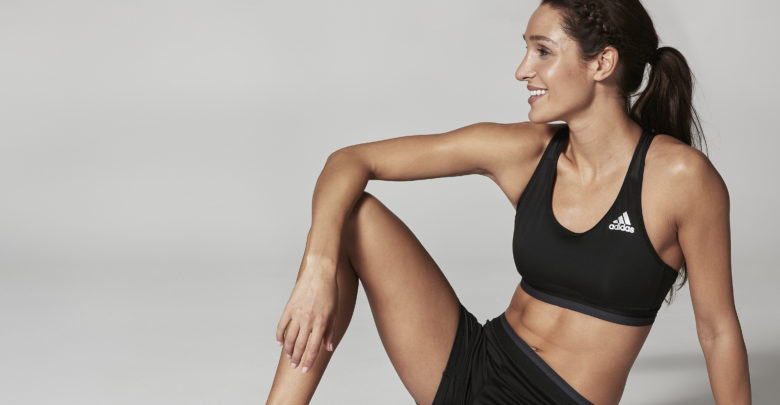 Kayla Itsines's Bio: Body