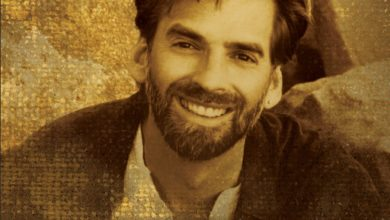 Who's Kenny Loggins? Bio: Son