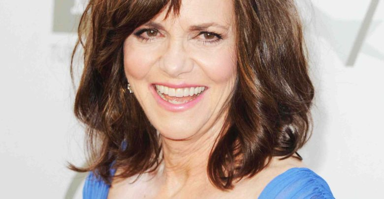 Who's Sally Field? Wiki: Died