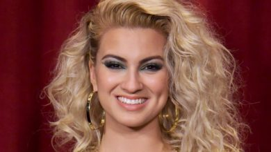 Who's Tori Kelly? Bio: Son