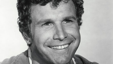 Who's Wayne Rogers? Wiki: Net Worth